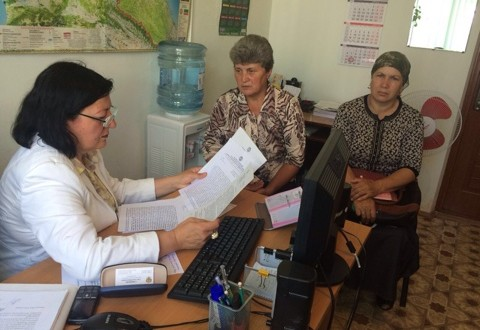 Уполномоченная по правам человека в КЧР Зарема Умалатова провела выездной приём граждан