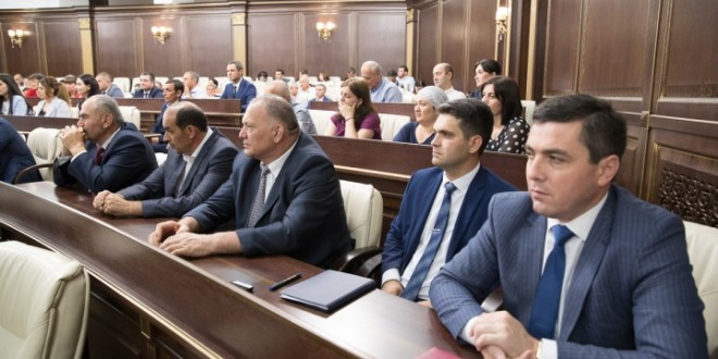 Около 700 членов избирательных комиссий КЧР получили награды от Центризбиркома РФ за достойную организацию выборов Президента 2018