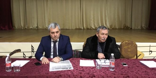 В п. Эркен-Шахар прошли публичные слушания