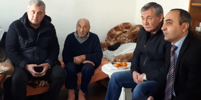 Глава Администрации в канун Нового года поддержал семью пострадавшую при пожаре