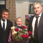 Глава Администрации Ногайского района поздравил труженицу тыла с юбилеем