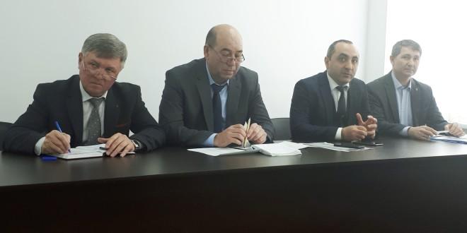25 февраля, в здании администрации Ногайского муниципального района состоялось рабочее совещание с депутатским активом района.