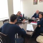 Заместитель  Министра сельского хозяйства  Карачаево-Черкесской Республики Хусей Ижаев провел в администрации Ногайского района приём граждан.