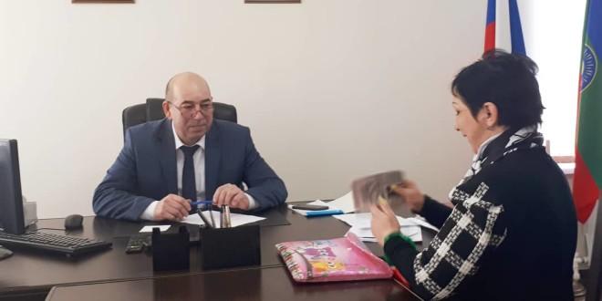 18 февраля Глава Администрации Ногайского муниципального района Мурат Хапиштов провел личный прием граждан.
