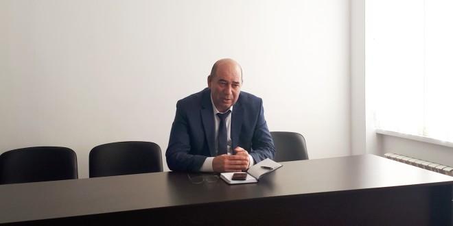 Глава Администрации Ногайского района М.А. Хапиштов провел рабочее совещание.