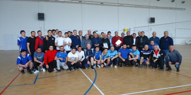 7 марта в ФОК п. Эркен-Шахар прошел межрегиональный турнир по волейболу, посвященный 75- летней годовщине Великой Победе.