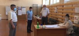 Глава администрации района посетил избирательные участки.