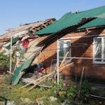 В результате проливных дождей с градом и шквалистым ветром, зарегистрированных на территории Ногайского муниципального района 28 июля  ряду населенных пунктов был нанесен ущерб.