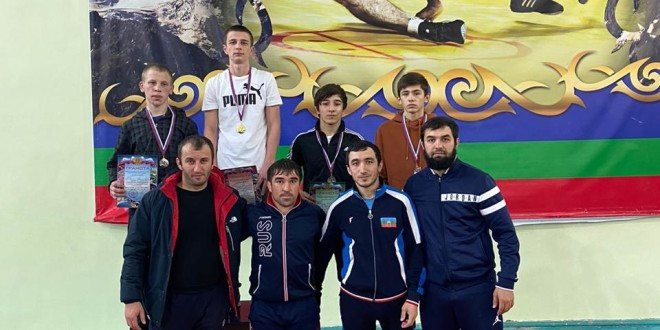 Первенство Карачаево-Черкесской Республики по вольной борьбе среди юношей до 18 лет.