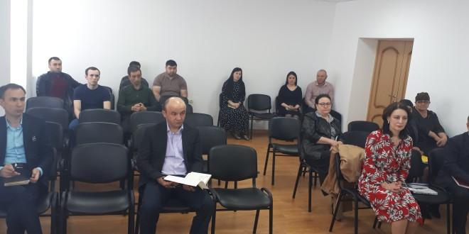 Глава администрации Ногайского муниципального района Мурат Хапиштов провел еженедельное планерное совещание.