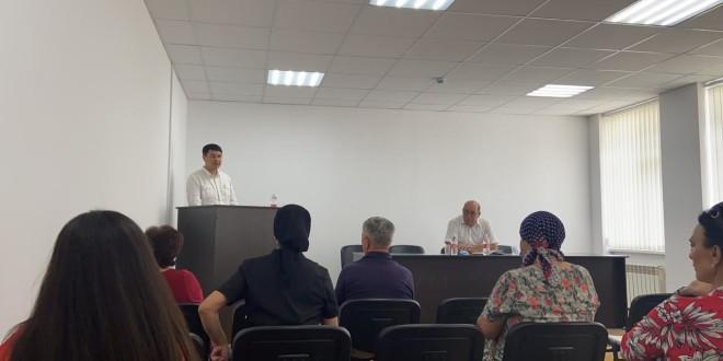 Глава Администрации Ногайского муниципального района Мурат Хапиштов провел совещание с главами сельских поселений.