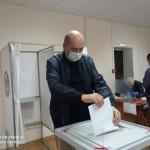 Глава администрации Ногайского района Мурат Хапиштов проголосовал на выборах депутатов в Госдуму РФ VIII созыва.